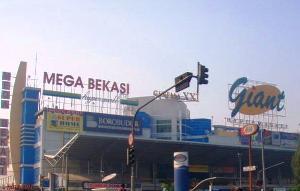 AC Mati, Pedagang Giant Mega Bekasi Hypermall Gerah