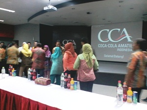 PT. Coca-cola Amatil Indonesia halal bihalal Dengan Warga Sekitar