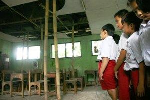 Pemkab Bekasi Acuh Dengan Bangunan Sekolah Rusak