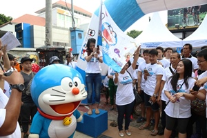 100 Peserta Doremon Funwalk Bernostalgia Dengan Doraemon