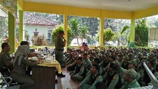 Puluhan Linmas Dapat Pembinaan Satpol PP Kota Bekasi