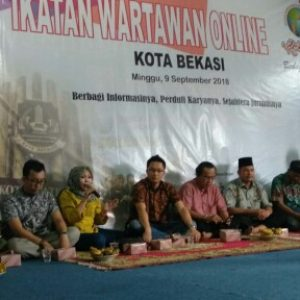 Foto : HUT Perdana IWO Kota Bekasi, Santuni Puluhan Anak Yatim