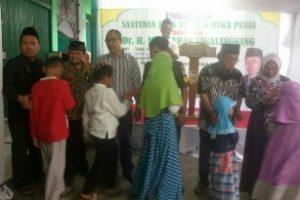 Ketua ICMI  Bersama IWO Kota Bekasi Santuni Anak Yatim Piatu