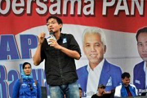 Tanggapi Survei Bekasi Institute, Lucky Hakim Tantang Para Kandidat Jalan Kaki