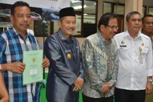 Pjs Walikota Bekasi Hadiri Penyerahan 500 Sertifikat