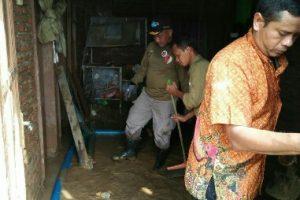 Ahmad Syaikhu Terjun Langsung Bantu Korban Banjir Cirebon