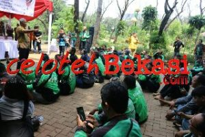 Rahmat Effendi Dinobatkan Jadi Bapak Ojol Kota Bekasi dan Se-Nusantara