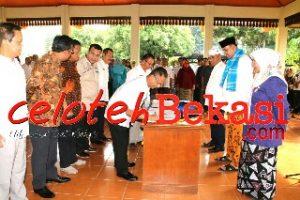 Wali Kota Bekasi Tanda Tangan MoU Perjanjian Percepatan Penyelesaian Proses Perizinan di Kota Bekasi