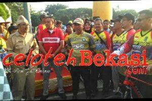 Wali Kota Bekasi Lepas Peserta Parade Sepeda HUT RI 74
