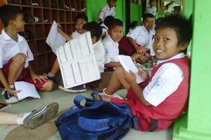 Pemkot Bekasi Beri Subsidi Pendidikan Sampai SMA