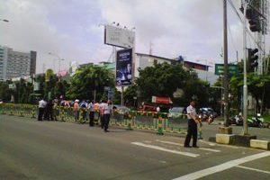 Puncak Tahun Baru  diBekasi dipusatkan di Jalan Raya Ahmad Yani