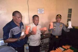 Polres Bekasi Gerebek Gudang Bumbu Makanan Kadaluarsa diKampung Rawa Bugel