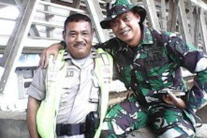 TNI-POLRI Bersatu Urus kali Ciliwung