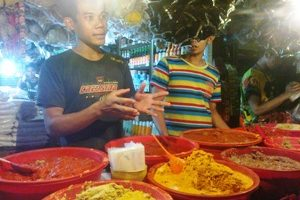 Pedagang Pasar Di Bekasi Keluhkan Kelangkaan Dan Mahalnya Garam