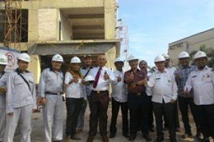 Walikota bersama Kadis Disbangkim Pantau Pengerjaan 8 Lantai RSUD Kota Bekasi Khusus Paru