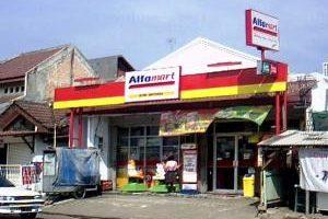 Minimarket Tak Berizin Menjamur di Bekasi