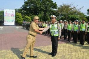 Wali Kota Bekasi  Pimpin Apel Gelar Pasukan Hari Raya Idul Adha 1438