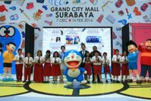 Doraemon dan Sahabat Berbagi Kebahagiaan Bersama Anak-Anak Surabaya
