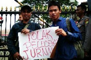 Jurnalis Bekasi Tuntut Kapolres Waykanan Dicopot